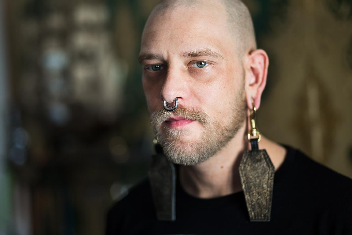 Portrait photography project and documentary with Berlin based leather designer Robert Laue of Crazy Leather Berlin by portrait photographer Caroline Wimmer