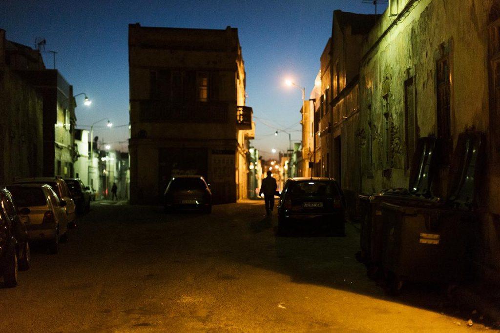 Reisefotografie und Straßenfotografie in Olhao, Portugal zur blauen Stunde von der Fotografin Caroline Wimmer aus Berlin