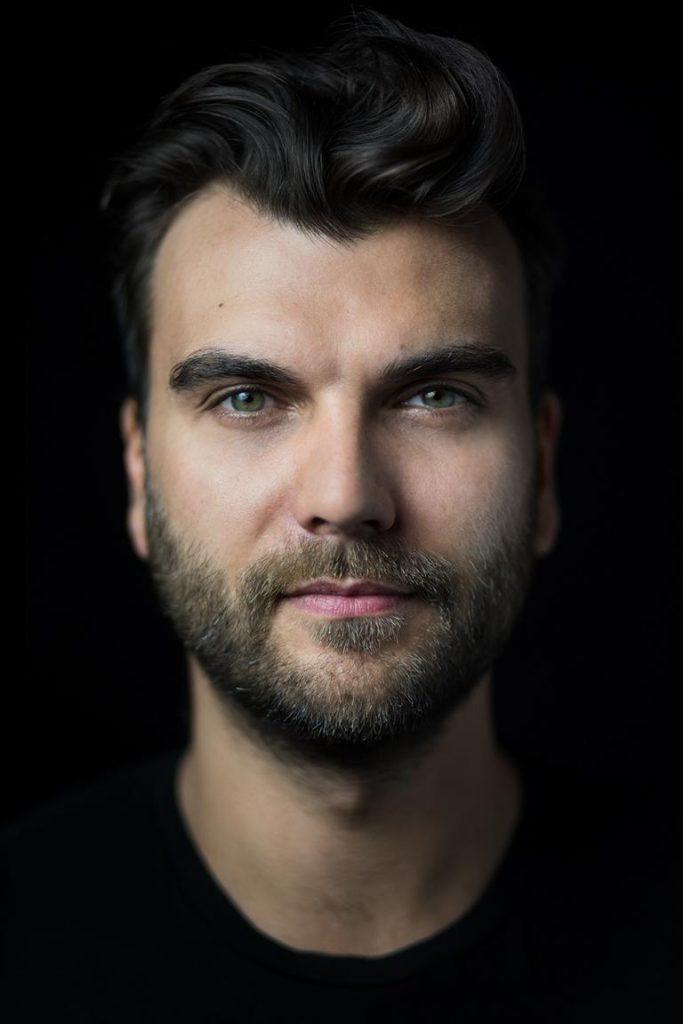 Portrait Headshot photostudio in Berlin treptow