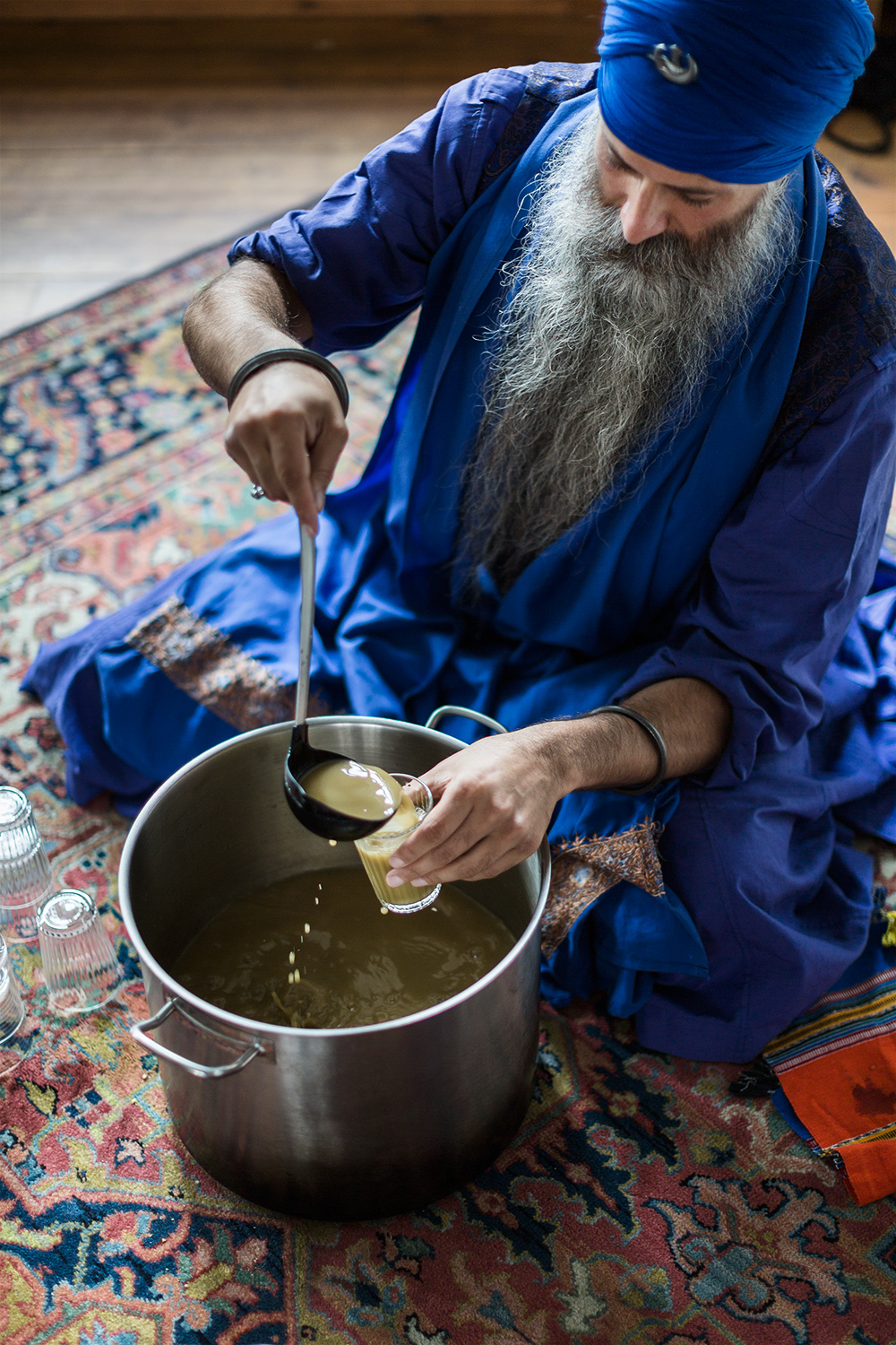 Event documentation of Sacred indian Degh Ceremony with Kamalroop Singh at UHU Berlin