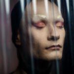 Portrait Fotografie und Dokumentation der Transformation in eine Drag Queen im ATP24, Fotostudiuo and Treptower Park von Berliner Fotografin Caroline Wimmer