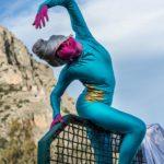 Fotografien von Kostumen und Performances während einer Künstlerresidenz in Griechenland von Fotografin Caroline Wimmer aus Berlin